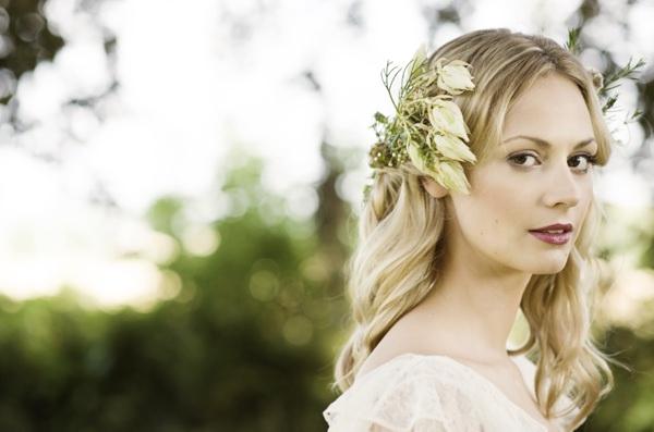 Beautiful Rustic Woodland Bridal Bride Flowers Hair  http://www.careysheffield.com/