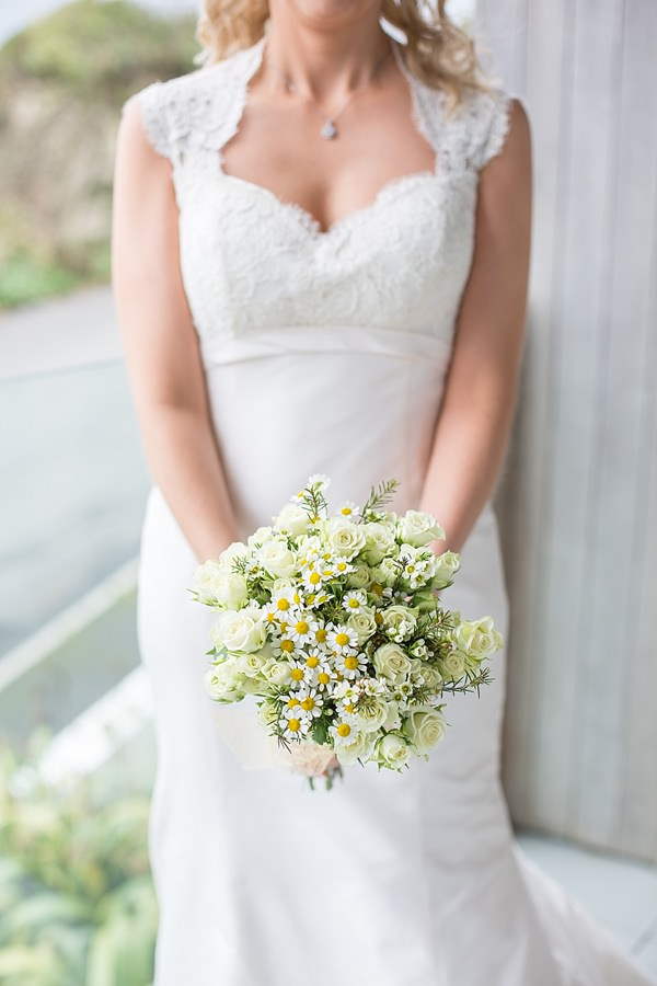 Rose Daisy Bridal Bouquet Informal Beach Wedding http://www.juliaandyou.com/