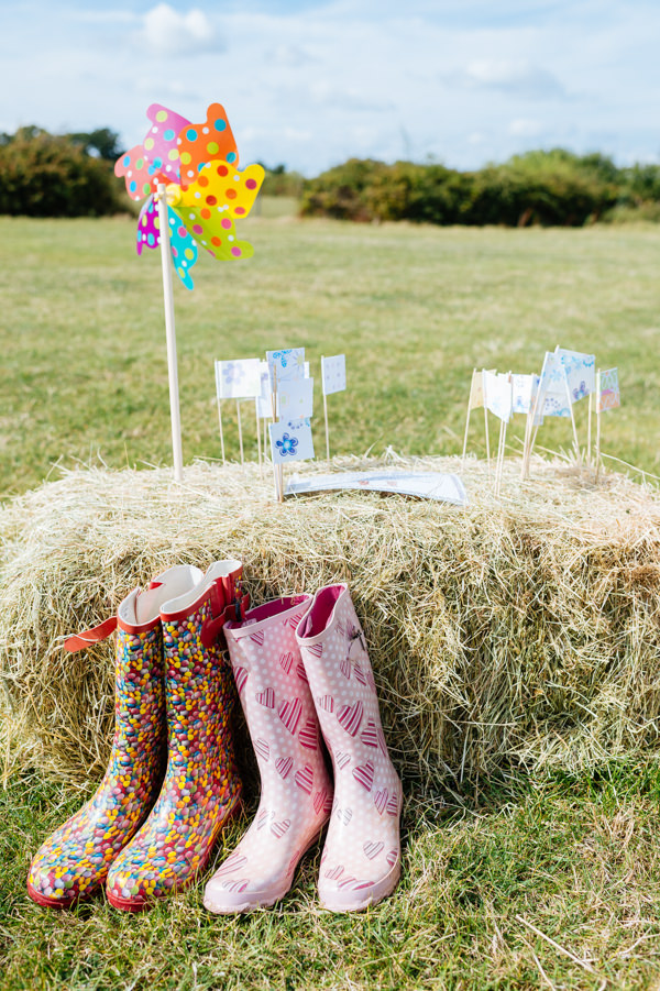 Picnic Countryside Fete Wedding Welly Wanging Game http://www.daffodilwaves.co.uk/
