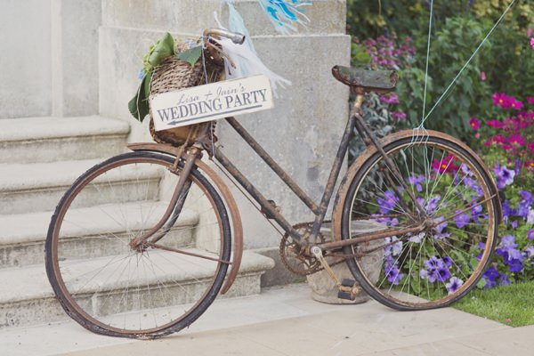 Timeless Modern Hydrangea Wedding Bicycle http://www.cottoncandyweddings.co.uk/