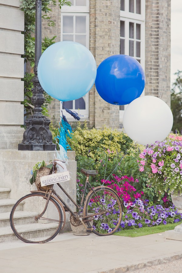 Timeless Modern Hydrangea Wedding Balloons http://www.cottoncandyweddings.co.uk/