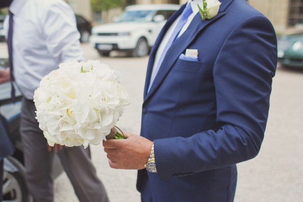 Timeless Modern Hydrangea Wedding White Bouquet Bridal http://www.cottoncandyweddings.co.uk/