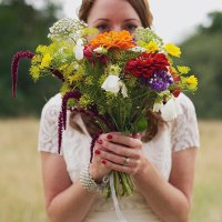 Crafty Colourful Farm Festival Wedding http://candidandfrankphotography.com/