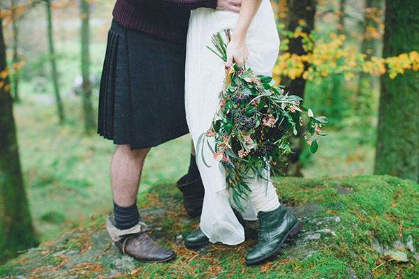 Handfasting Elopement Inspiration in the Scottish Wilderness Wild Natural Bouquet Flowers http://www.photographychantal.co.uk/