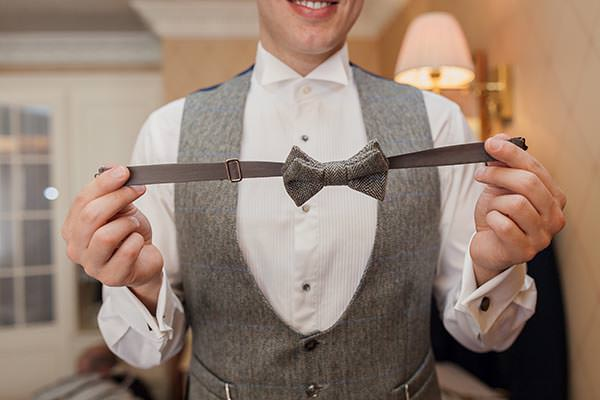 Beautiful Classic Peaches & Cream Wedding Bowtie http://www.pauljosephphotography.co.uk/