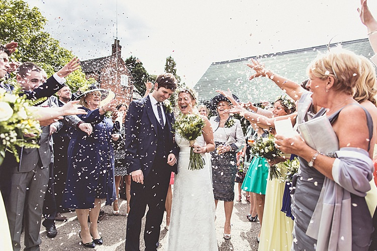 Confetti Rural Rustic Relaxed Barn Wedding http://annaclarkephotography.com/