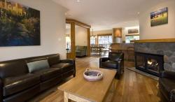 Whistler VRBO Photos of Best Ski In-Out Location :: Snowy Creek 5 Bedroom, HotTub
