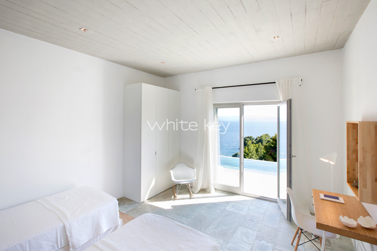 280 Libras A Euros Villa Libra Luxury Skiathos Villas In Greece White Key