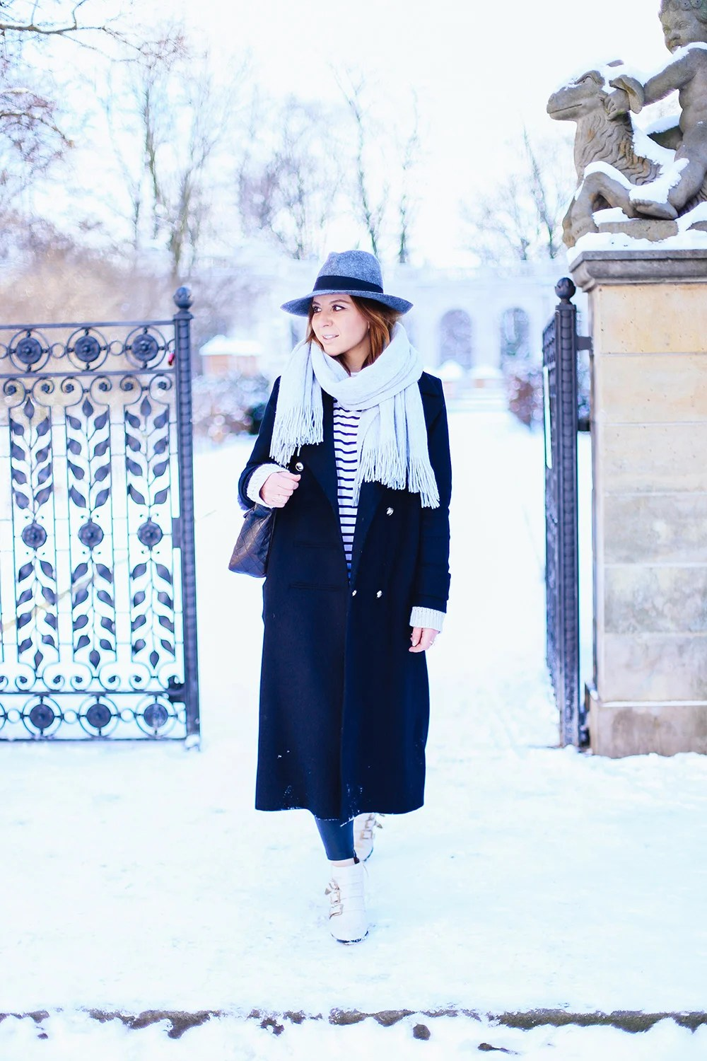 Oversize Mantel Fashion Week Outfit 1 Chloé Susanna Boots Und Oversize Mantel