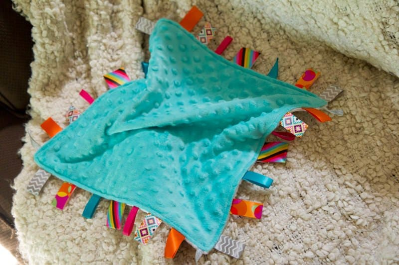 Tutorial Diy Lovey Tag Blanket