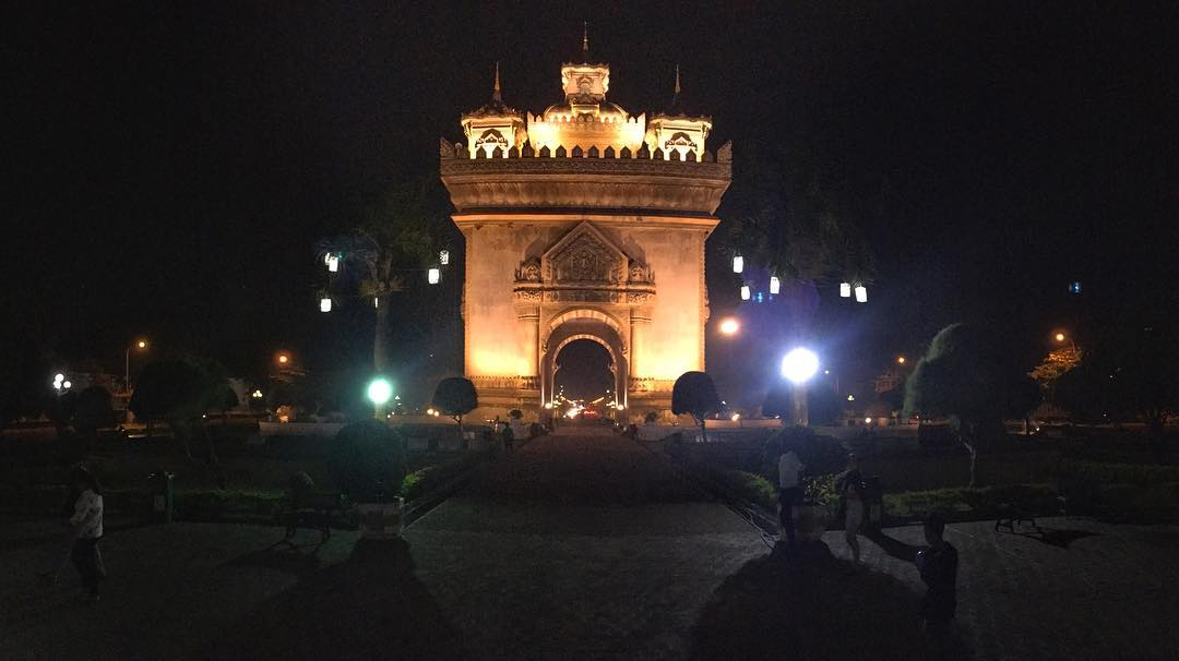 Patuxay.  One of the many war monument in Vientiane, and the largest.  Replica to the Arc de Triomphe in Paris, to commemorate Laos independent from France.  #Laos #Vientiane #Patuxay or #Patuxai still same-same