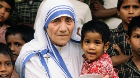 Mother-Teresa-Children