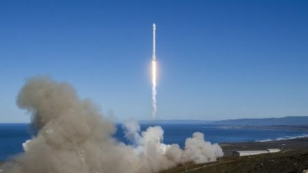 spacex-rocket-launch-550x309