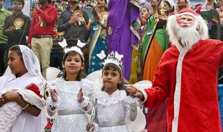 648296-christmas-hindu-outfit