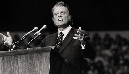 billy-graham-preaching-2