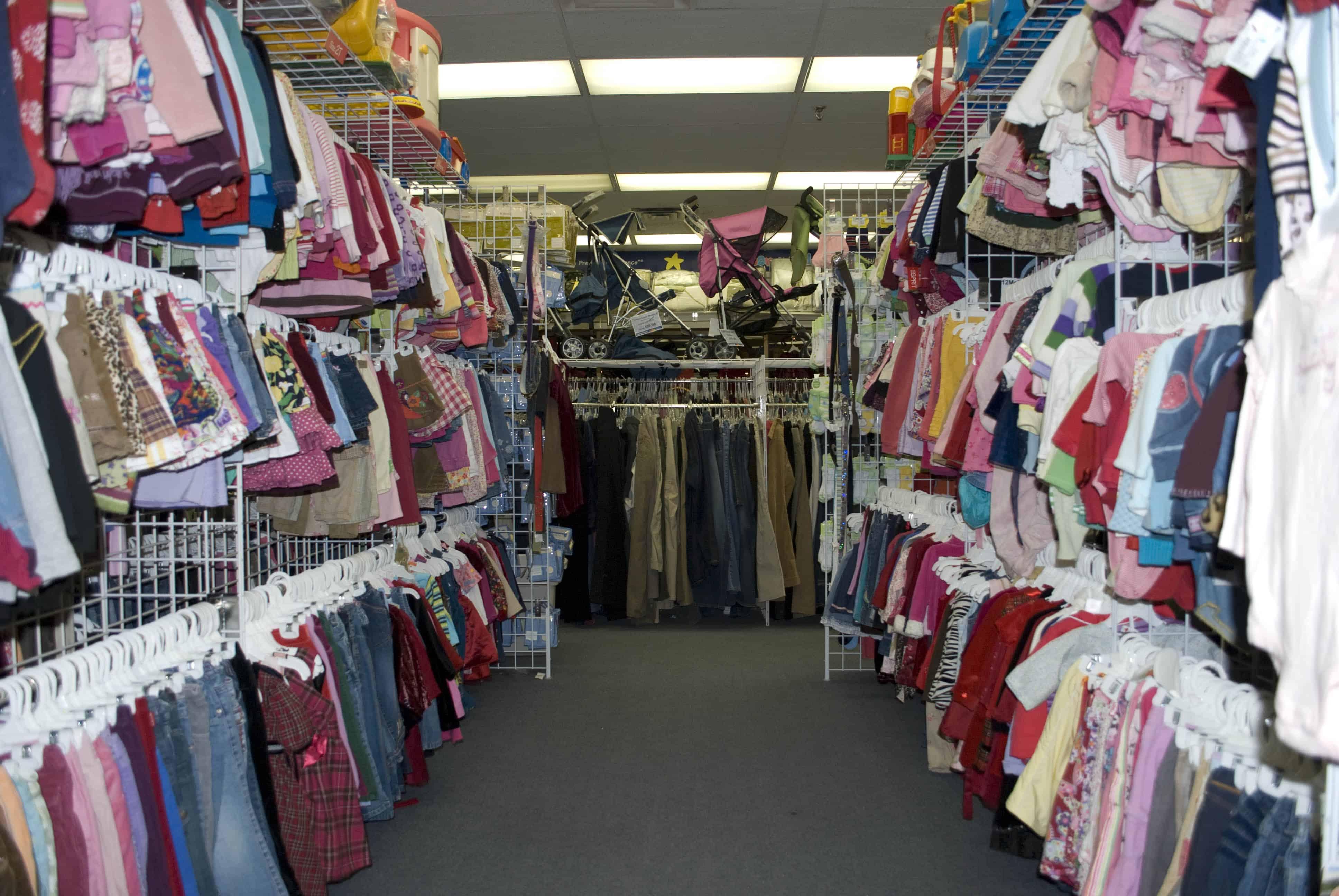 إلغاء تخفيض الضرائب والرسوم يرفع أسعار الألبسة 15 %