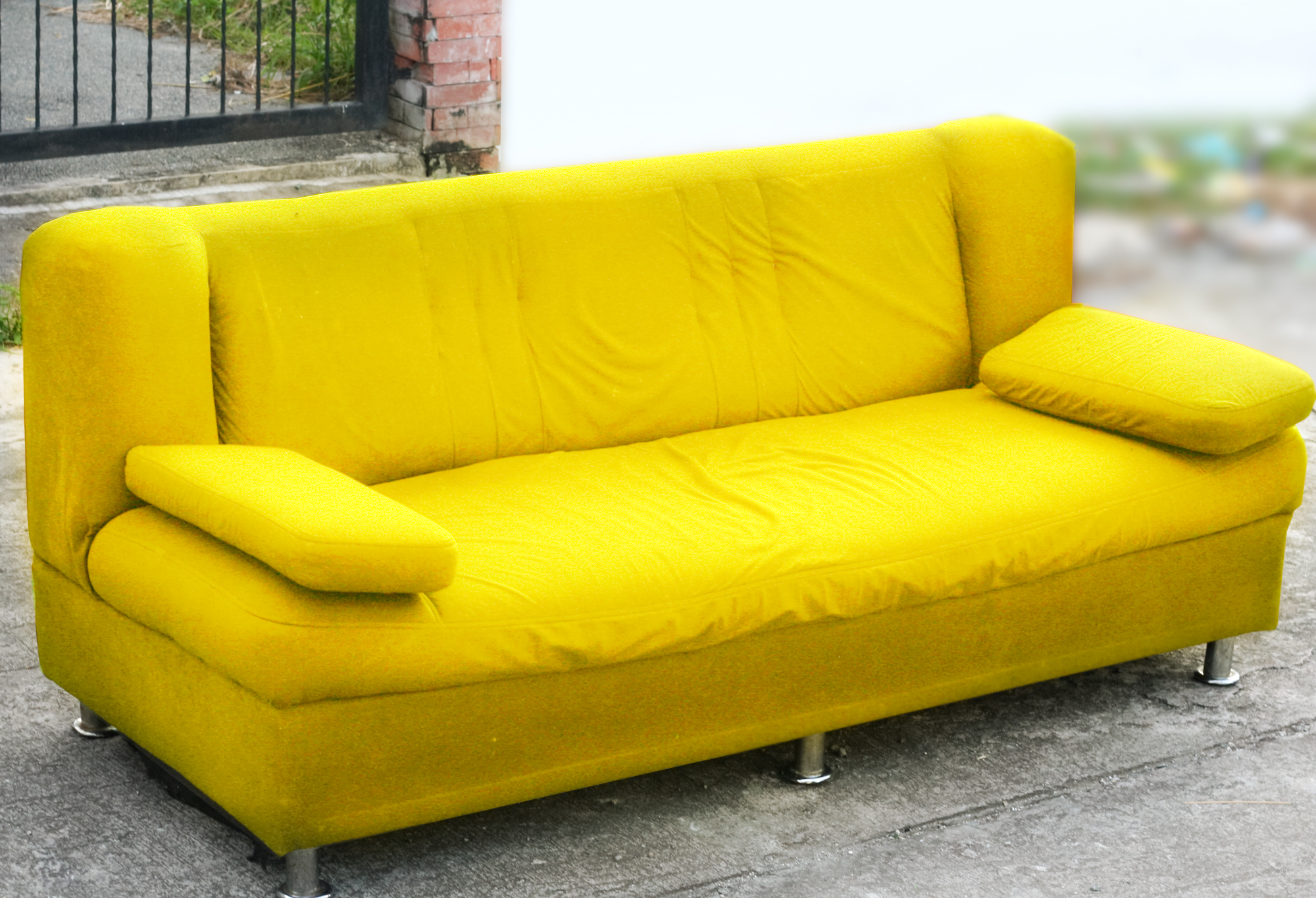 Divano Chesterfield Wiki How To Spray Paint Your Sofa 14 Steps With Pictures Wikihow