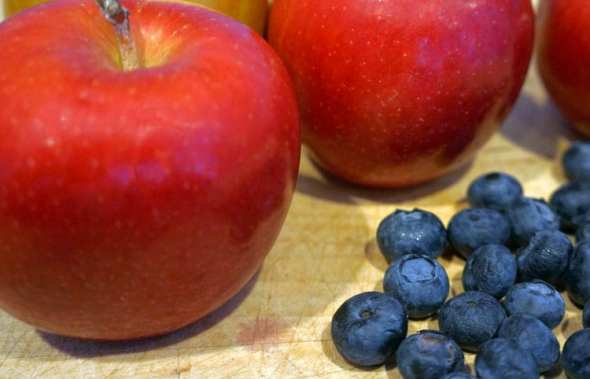 apple blueberries
