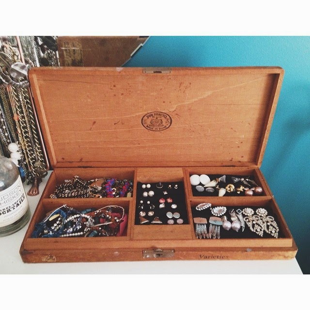 Diy Clock Side Project: Cigar Box Jewelry Holder - Wild Amor