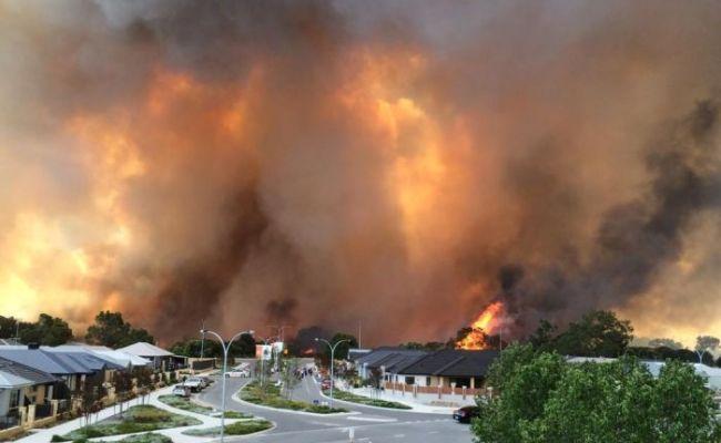 Bushfire Threatens Community Near Perth Australia