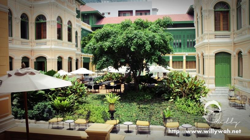 这里是户外中庭区,午后可以在这里喝下午茶,周围风景特别美。
