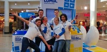 Lumia-stand-Gruppenfoto