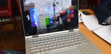 HP Spectre x360 Hands-On 9