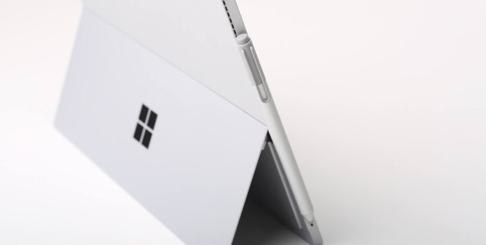 Deals des Tages: Surface Pro 4, 200GB MicroSD, Gaming-Notebook, Garmin vivoactive HR & 2TB externe Festplatte