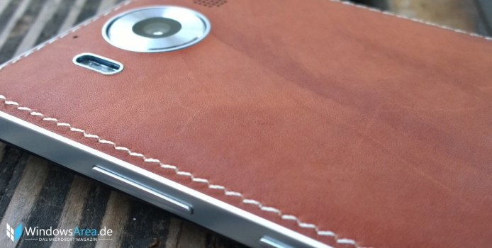 Mozo-Cover-Lumia-950_Braun_Seite_Kamera