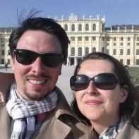 Pärchen vor dem Schloss Eggersberg