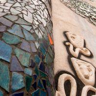 Ein Blick die Hundertwasserkirche hinauf