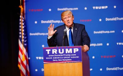 Mr_Donald_Trump_New_Hampshire_Town_Hall_on_August_19th,_2015_at_Pinkerton_Academy,_Derry,_NH_by_Michael_Vadon_02