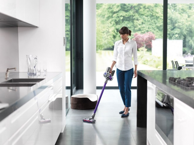 Dyson V6 Balai Dyson Aims For A Cordless Revolution With Tiny, 120,000