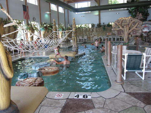 Outdoor Lounge Rope Raintree Resort And Water Park Hotel Wisconsin Dells Fun