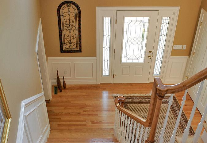 Foyer Chair Rail Design