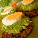 Balkan, balkan style – czyli placuszki z kaszy gryczanej z avocado i jajkiem