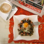 Soczewica zapiekana z jajkiem, czyli pomysł na męskie śniadanie.