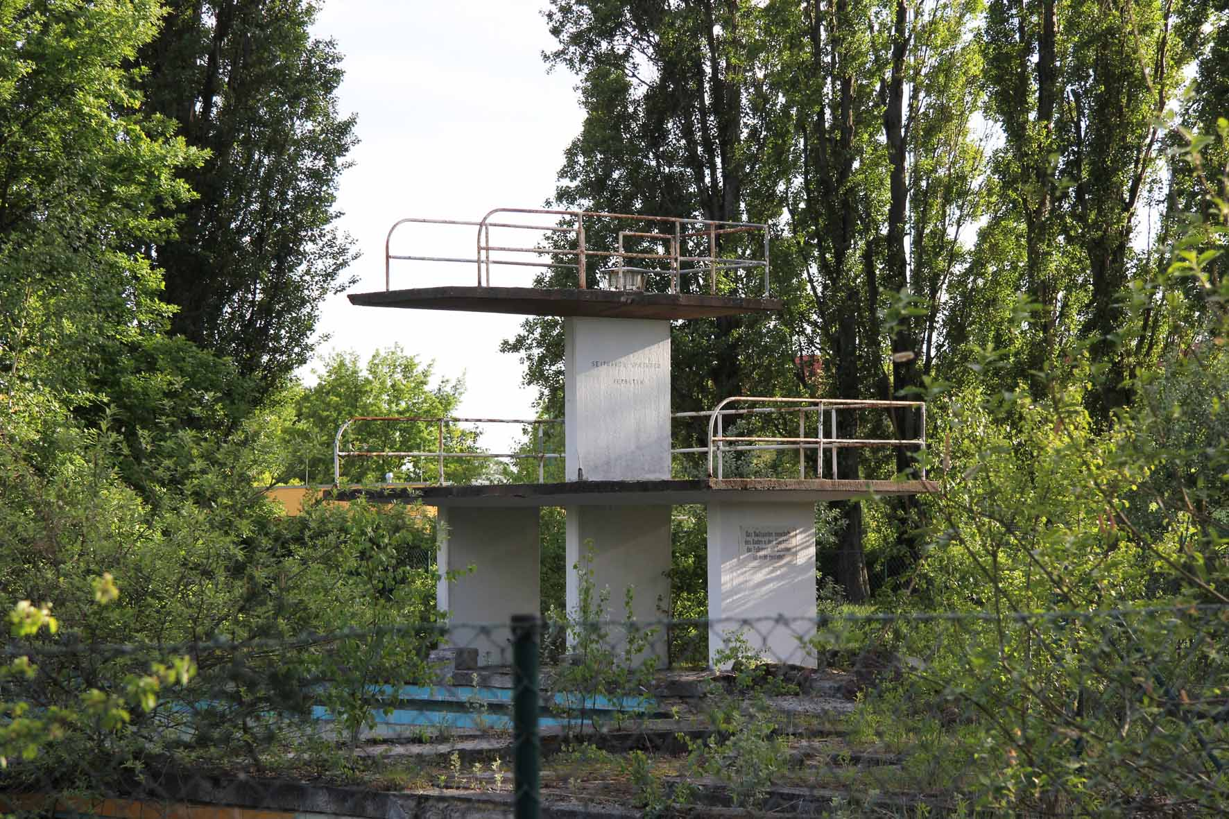 Swimmingpool Berlin Bvg Freibad An Abandoned Open Air Pool In Berlin Berlin Love