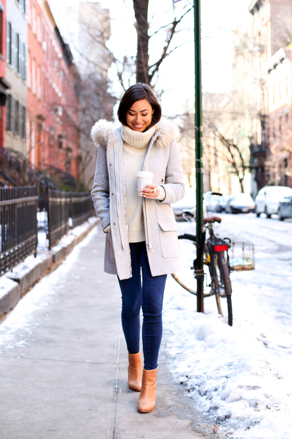 Jeans Trend Herbst 2015 Grey Coat With Cream Sweater And Booties