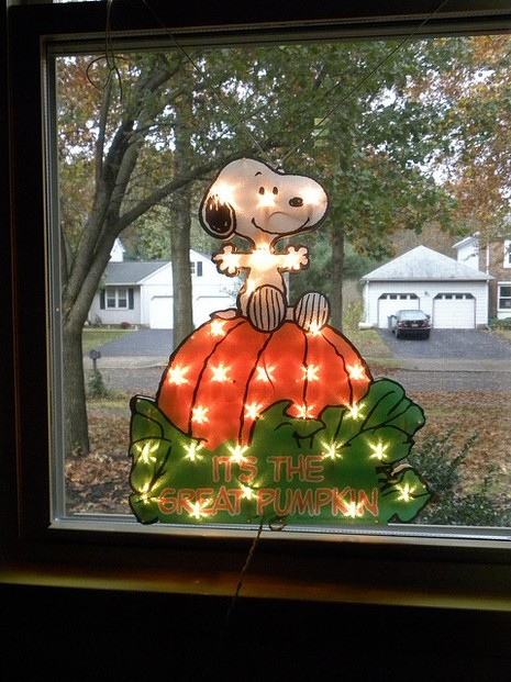 Peanuts Snoopy Halloween Decorations