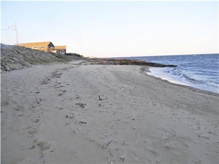Dennis Vacation Rental condo in Cape Cod MA 02639, 1/2 mile to Sea