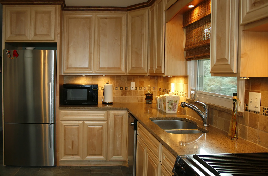 kitchen cabinets kitchen remodeling natural maple kitchen cabinets kitchen backsplash ideas dark cabinets kitchen backsplash ideas