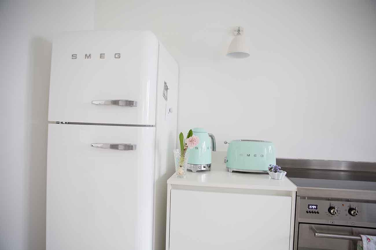Smeg Kleiner Kühlschrank : Smeg mini kühlschrank ameriÅ¡ki hladilniki so trendi in zelo