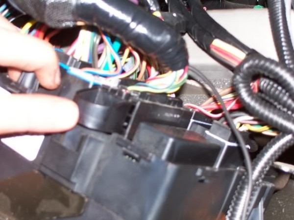Reconnecting fuse wires