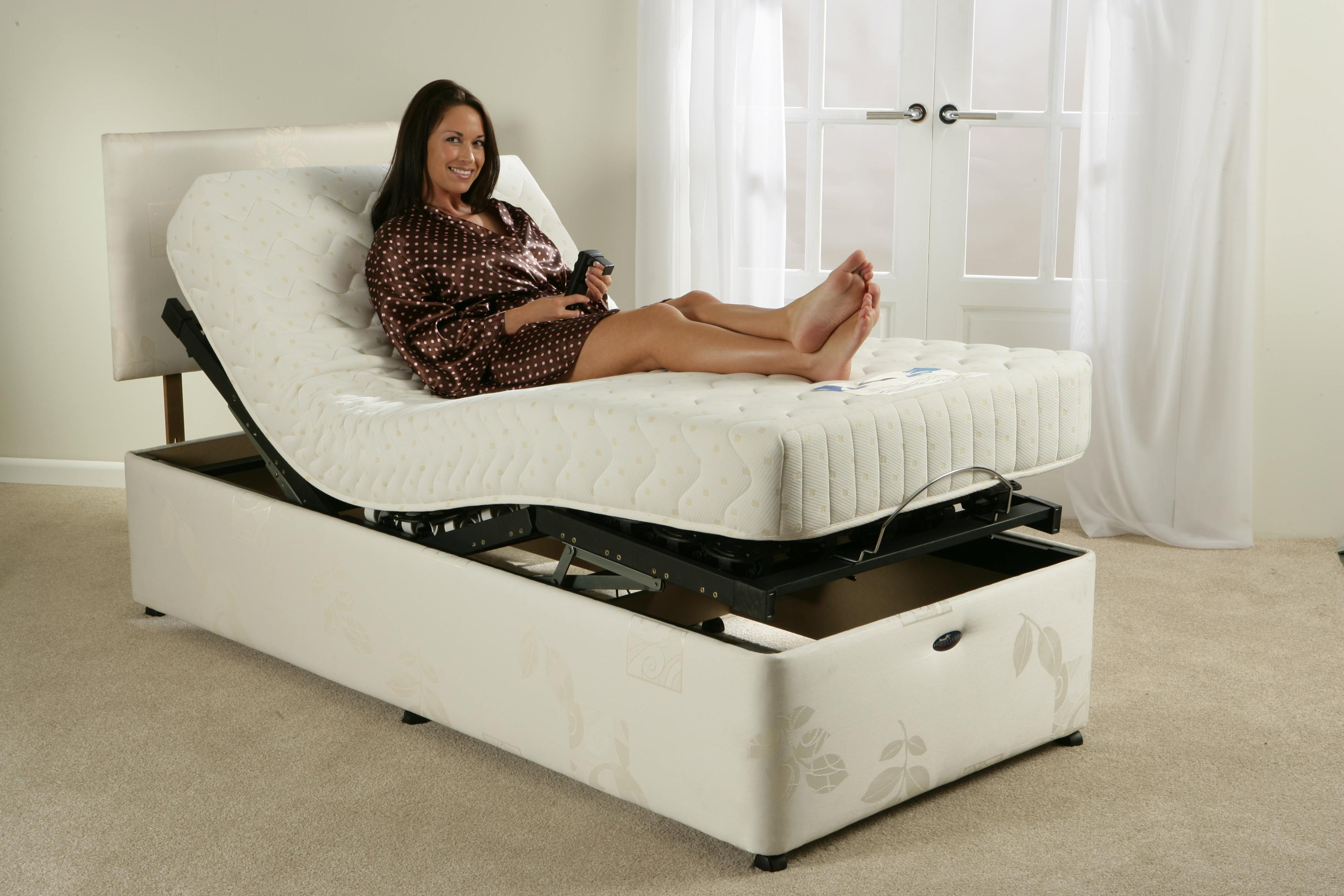Elektrische Betten Electric Adjustable Bed - Wolverhampton Mobility