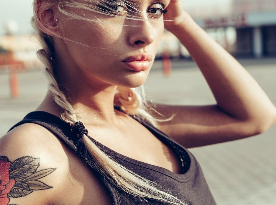 Concealing Skin Flaws and Tattoos
