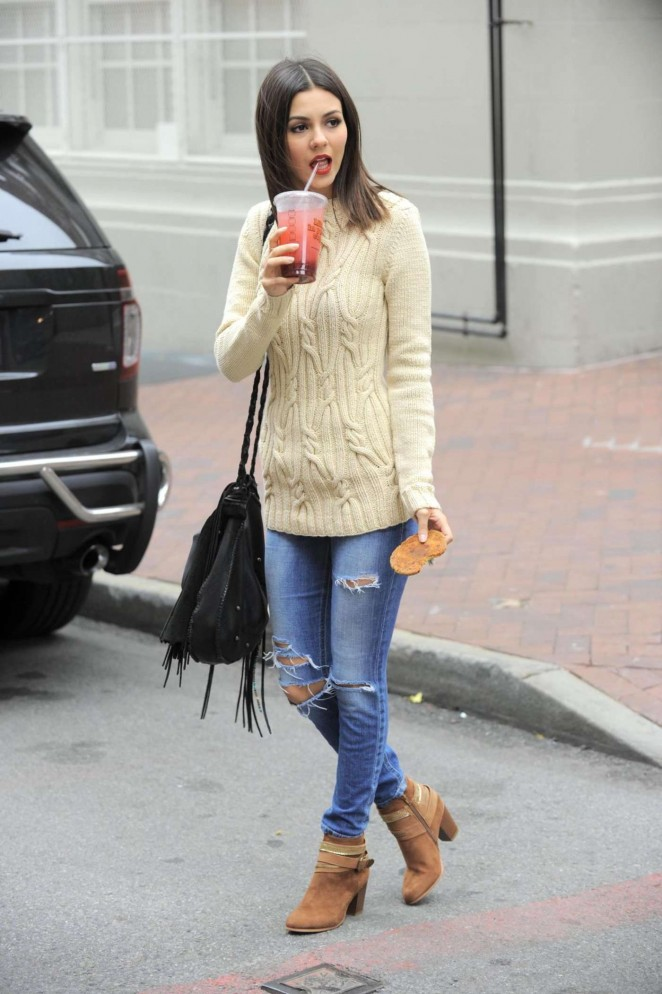 Cute Stylish Child Girl Wallpaper 8 Trendy Street Style Looks To Steal From Victoria Justice