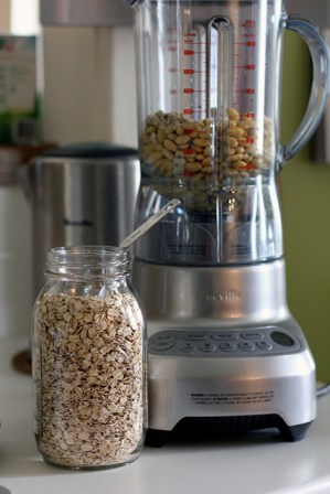 DIY Soy Milk: Ready for blending
