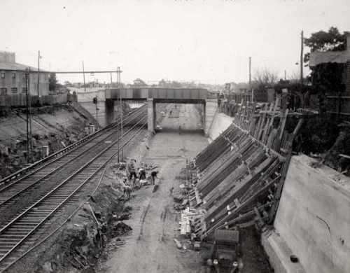 Excavation through Footscray at Albert Street
