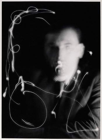 Man Ray - Space writing - 1937 - light-painting
